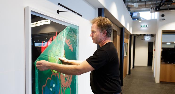 Raambelettering - Installatie - Jan Krediet