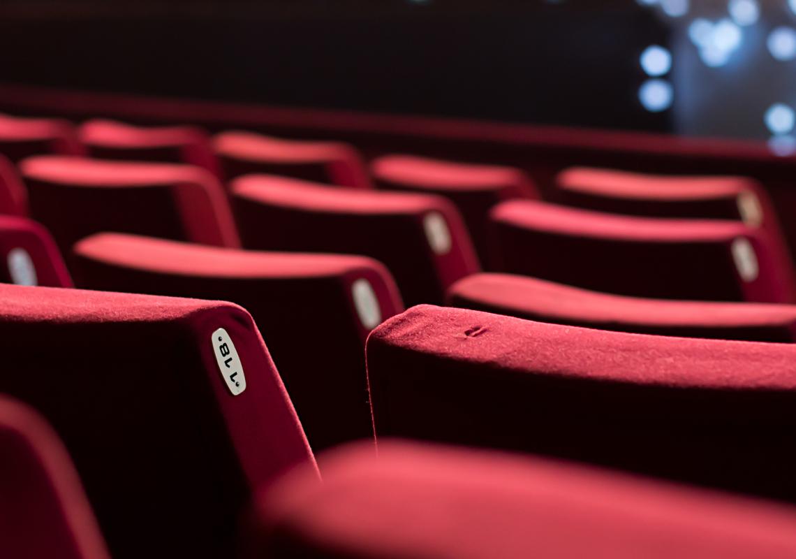 Stoelen theater - Logistieke oplossingen leisure sector - Jan Krediet