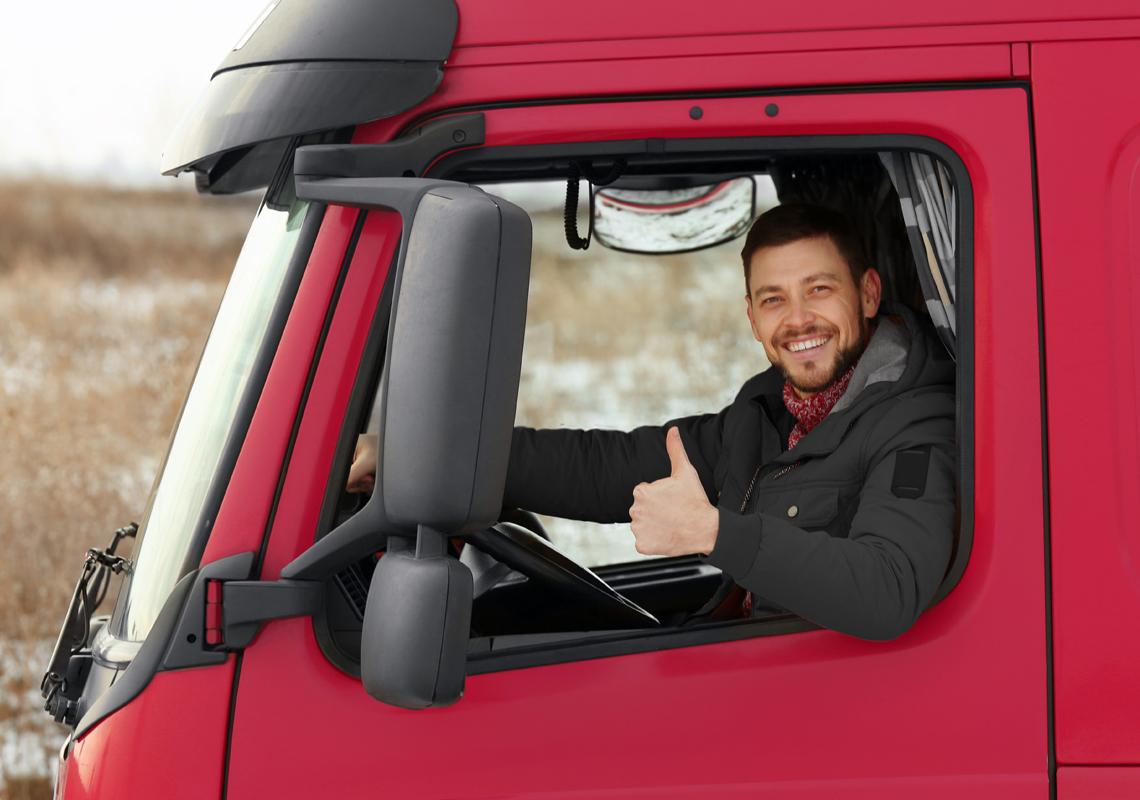 Man bestuurt vrachtwagen - Vacature vrachtwagenchauffeur - Jan Krediet